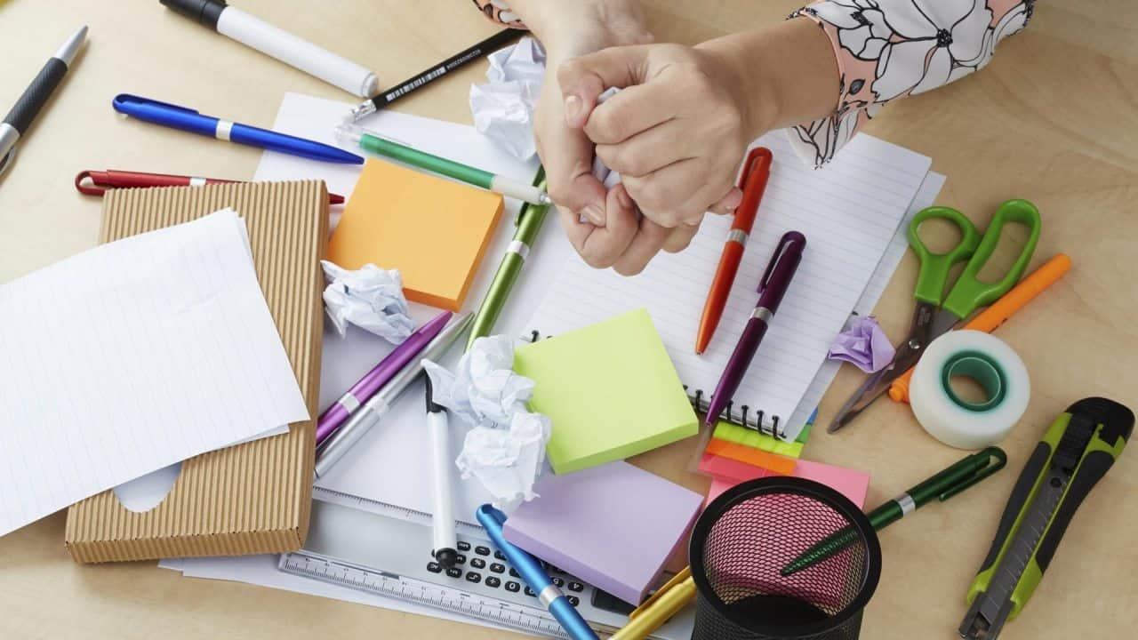 Clean Up That Messy Desk, It Could Knock Your Career Off-Track