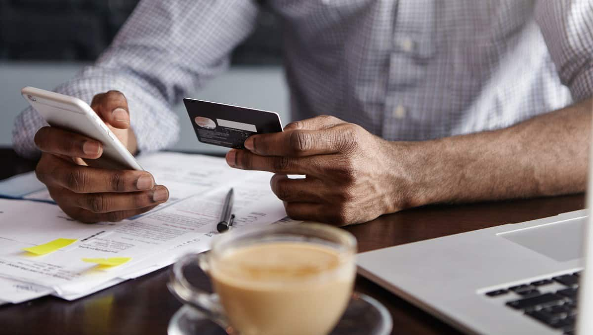 Coffee & credit cards: small transactions may mean big success (infographic)