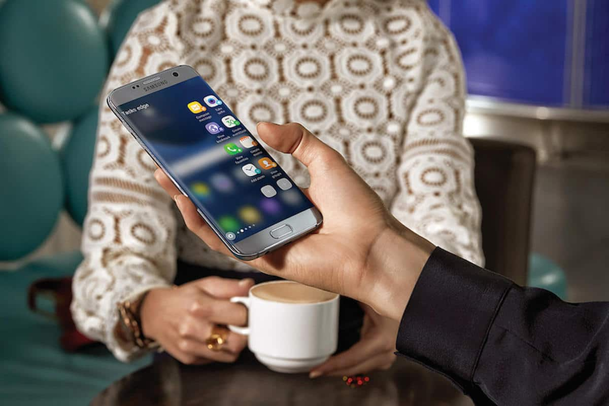 Demand for smartphones, tablets, to remain red hot through 2017