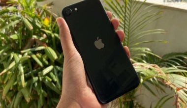 Just over half of iPhone 4S users happy with Siri