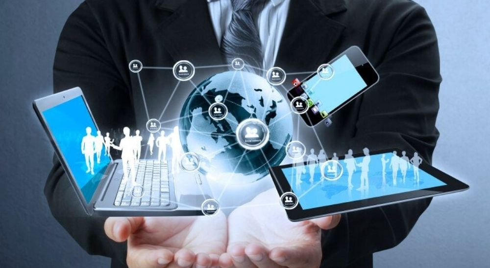 Business and consumer application of cloud application